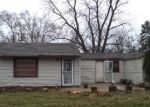 Foreclosed Home in Aurora 60505 OAKVIEW AVE - Property ID: 3484193677