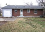 Foreclosed Home in Louisville 40272 MIDDLEROSE CIR - Property ID: 3489615350