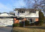 Foreclosed Home in Southfield 48076 SPRING HILL DR - Property ID: 3489838276