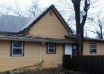 Foreclosed Home in Cleburne 76033 W HEARD ST - Property ID: 3491378192
