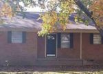 Foreclosed Home in Natchez 39120 VAUGHN DR - Property ID: 3493593922