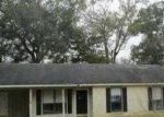 Foreclosed Home in Denham Springs 70726 SHADOW BROOK AVE - Property ID: 3497677580
