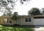 Foreclosed Home in Tampa 33615 HALIFAX DR - Property ID: 3502255276