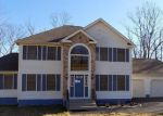 Foreclosed Home in East Stroudsburg 18302 KNOLL DR - Property ID: 3513477935
