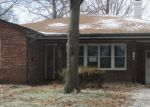 Foreclosed Home in Belleville 62220 GARDEN BLVD - Property ID: 3517564220