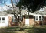 Foreclosed Home in Hodgenville 42748 SUZANNE AVE - Property ID: 3517898849