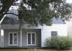 Foreclosed Home in Baton Rouge 70816 RIVERDALE AVE E - Property ID: 3518006129