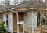 Foreclosed Home in Lake Jackson 77566 CENTER WAY ST - Property ID: 3519294218