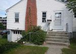 Foreclosed Home in New London 06320 NILES HILL RD - Property ID: 3520283159