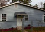 Foreclosed Home in Elizabethtown 28337 BLADEN LAKE SCHOOL RD - Property ID: 3524417196