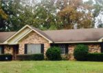 Foreclosed Home in Lufkin 75901 LAKEWIND DR - Property ID: 3525977711