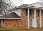 Foreclosed Home in Wallis 77485 COUGAR DR - Property ID: 3527314400