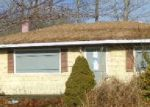 Foreclosed Home in Mastic 11950 MAIN AVE - Property ID: 3529821813