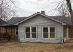 Foreclosed Home in Shelbyville 40065 HILLVIEW DR - Property ID: 3532643675