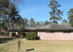 Foreclosed Home in Cleveland 77327 CIRCLE DR - Property ID: 3548522415