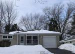 Foreclosed Home in Elgin 60123 N COMMONWEALTH AVE - Property ID: 3574157916
