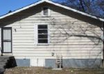 Foreclosed Home in Memphis 38122 POWELL AVE - Property ID: 3587810882