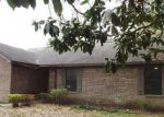 Foreclosed Home in Milton 32571 FOREST CREEK DR - Property ID: 3601824288