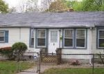 Foreclosed Home in Central Islip 11722 E END AVE - Property ID: 3619245133