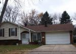 Foreclosed Home in Elgin 60123 DEVONSHIRE CIR - Property ID: 3622227302