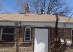 Foreclosed Home in Chicago 60617 S VAN VLISSINGEN RD - Property ID: 3626978899