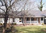 Foreclosed Home in Oneonta 35121 LAKESHORE CIR - Property ID: 3627657756