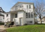Foreclosed Home in Beaver Dam 53916 HENRY ST - Property ID: 3632137794