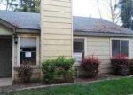Foreclosed Home in Sacramento 95823 CENTER PKWY - Property ID: 3636498698