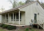 Foreclosed Home in Elizabethtown 28337 MOSS ISLAND RD - Property ID: 3649751343