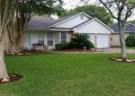 Foreclosed Home in Alvin 77511 CLOVER DR - Property ID: 3654966751