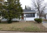 Foreclosed Home in Milwaukee 53218 N 81ST ST - Property ID: 3656719515