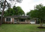 Foreclosed Home in Rosenberg 77471 WALGER AVE - Property ID: 3659118290
