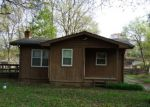 Foreclosed Home in Highland 48356 CLOVERDALE - Property ID: 3659766498