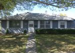 Foreclosed Home in Toppenish 98948 W 3RD AVE - Property ID: 3667625951