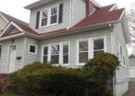 Foreclosed Home in Maplewood 7040 BOYDEN AVE - Property ID: 3673099297