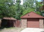 Foreclosed Home in Livonia 48154 ROUGEWAY ST - Property ID: 3673764588