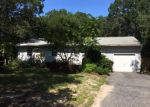 Foreclosed Home in Riverhead 11901 ELLEN ST - Property ID: 3675925101