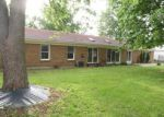 Foreclosed Home in Jerseyville 62052 MAPLE SUMMIT RD - Property ID: 3685479515
