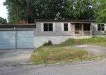 Foreclosed Home in Crossville 38558 ROBIN HOOD CT - Property ID: 3688271150