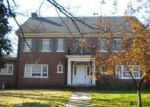 Foreclosed Home in Clarksville 37040 MADISON ST - Property ID: 3688305763