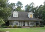 Foreclosed Home in Milton 32571 ARGYLE DR - Property ID: 3697004354