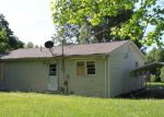 Foreclosed Home in Paducah 42001 VALARIE DR - Property ID: 3698421651