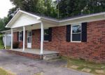 Foreclosed Home in Flat Lick 40935 OLD FLAT LICK SCHOOL RD - Property ID: 3698428202