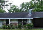 Foreclosed Home in Vidor 77662 EVANGELINE LN - Property ID: 3701458559