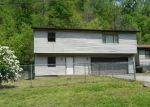 Foreclosed Home in Williamson 25661 BORDERLAND RD - Property ID: 3701922815
