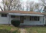 Foreclosed Home in Bedford 47421 WASHINGTON AVE - Property ID: 3702914829