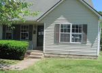 Foreclosed Home in Radcliff 40160 AUSTIN DR - Property ID: 3703010293