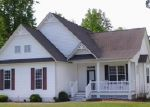 Foreclosed Home in Swansboro 28584 BLUEWATER CV - Property ID: 3703320829