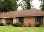 Foreclosed Home in Tupelo 38801 POPLARVILLE ST - Property ID: 3714777344