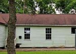 Foreclosed Home in Clute 77531 JAMES ST - Property ID: 3716211717